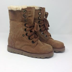New Bearpaw Shearling Lace Up Boots Size 7